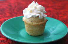 Mini-Vanilla-Cupcake-finish