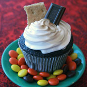 Chocolate-Smores-Cupcake