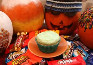 Black-Lagoon-Cupcake