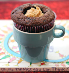 Cookie-Dough-Filled-Cupcake