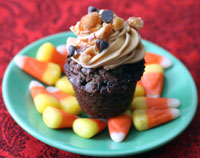Mini-Snickers-cupcake