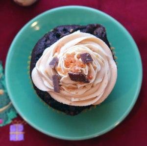 Butterfinger-Cupcake-top