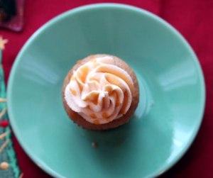 Mini-Butterbeer-Cupcake top