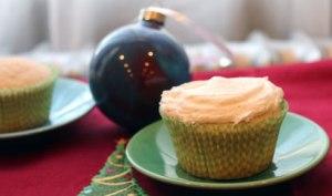 Double-Vanilla-Cupcake