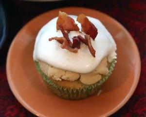 Elvis-Cupcake-top