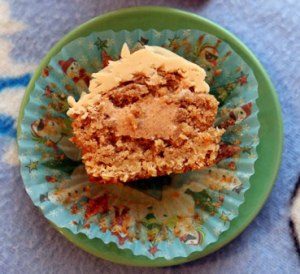 Oatmeal-Cookie-halved