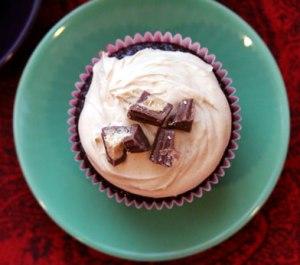 Reeses-PB-cupcake-top