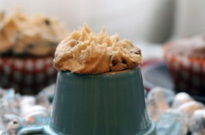 Cookie-dough-frosting