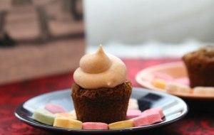 Mini-Gingerbread-Cupcake